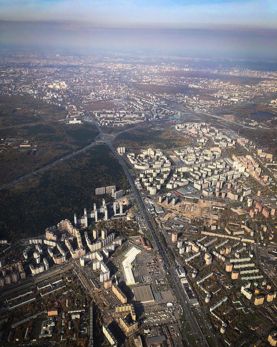 Вид на Оранж Парк из самолета 03.10.2019