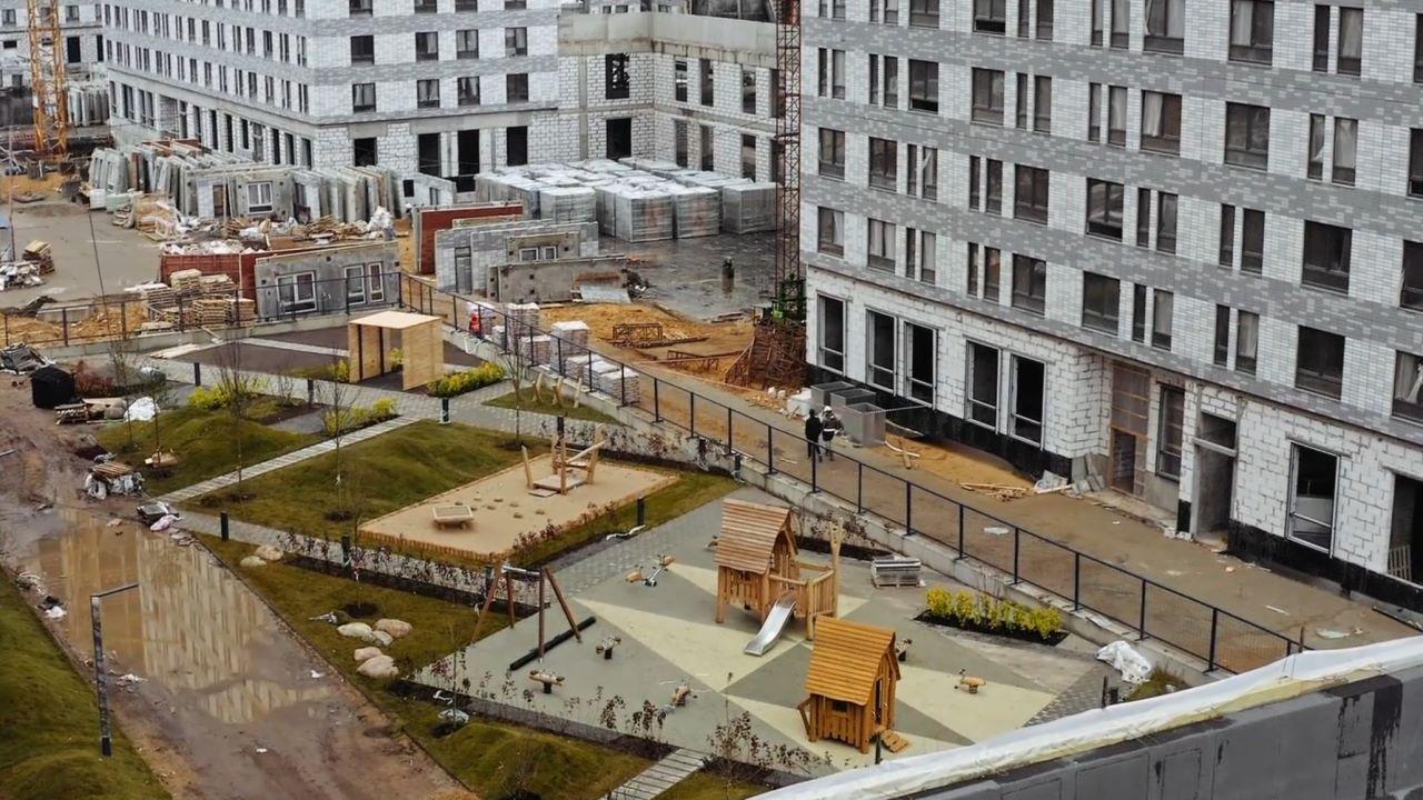 """Видео строительства 6, 7, 8, 9, 10 корпусов ЖК """"Оранж Парк"""" от 22 октября 2020 г."""