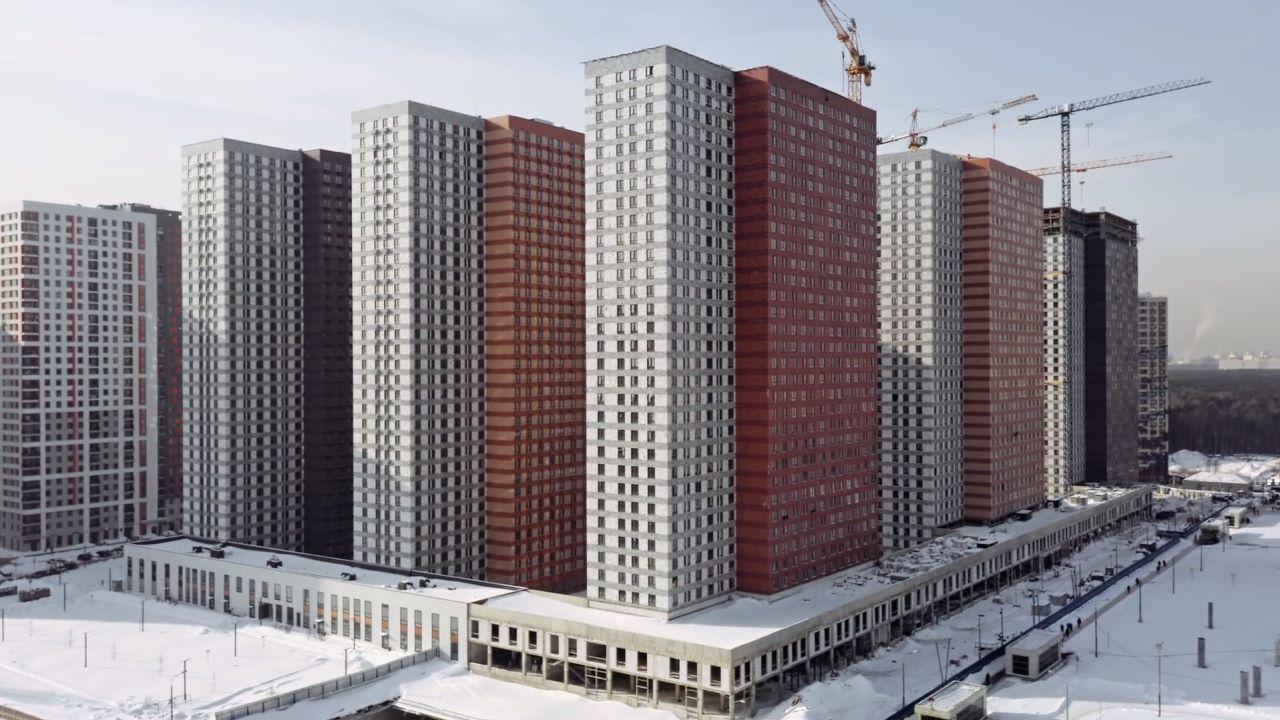 """Видео строительства 6, 7, 8, 9, 10 корпусов ЖК """"Оранж Парк"""" от 20 февраля 2021 г."""