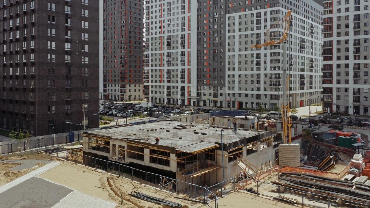 Видео строительства ЖК Оранж Парк от 16 июля 2021 г