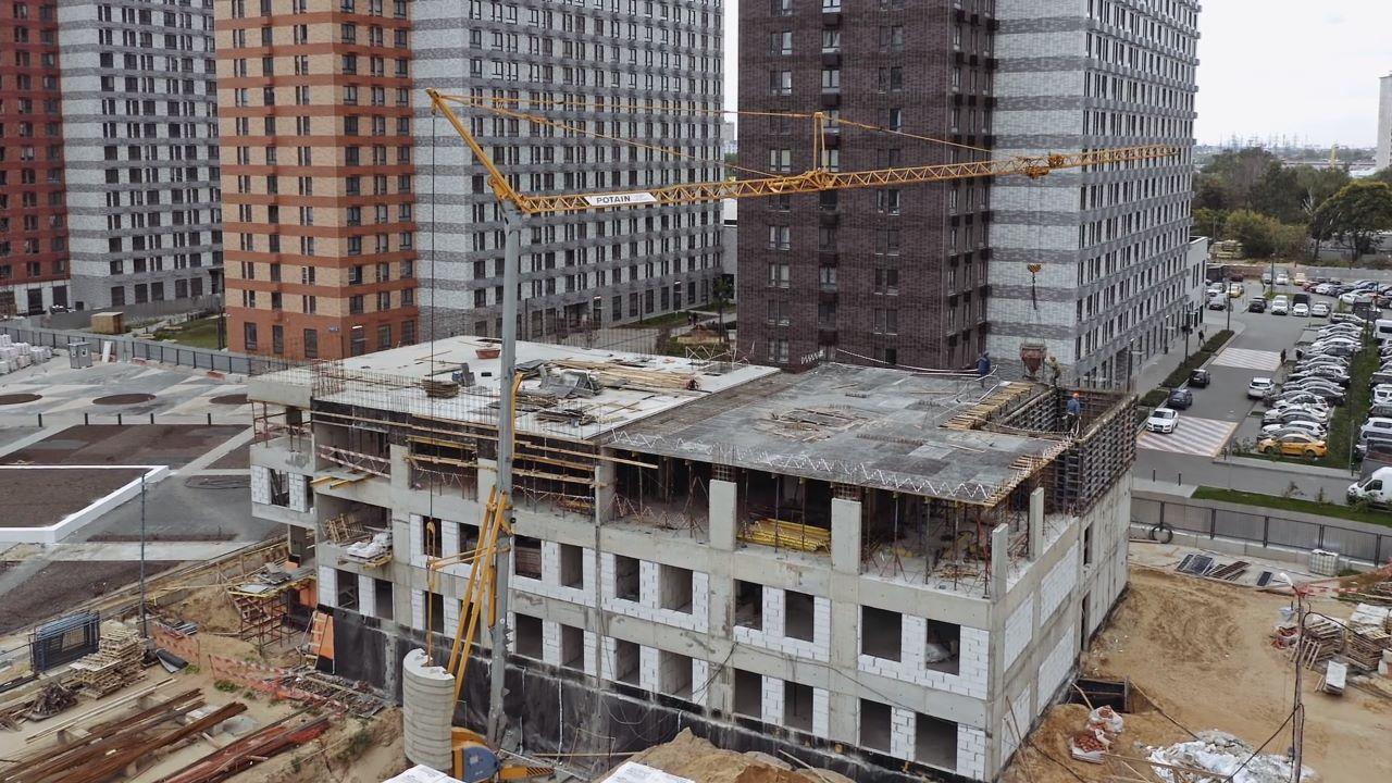 Видео строительства ЖК Оранж Парк от 17 сентября 2021 г.